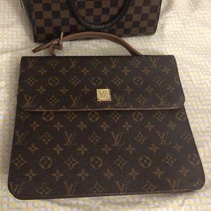 Vintage Louis Vuitton messenger bag
